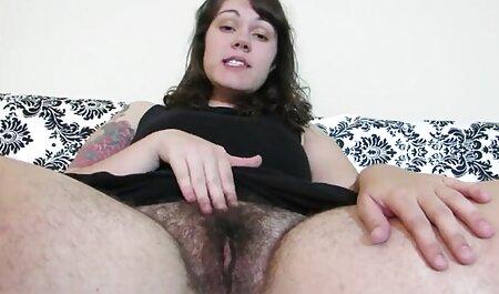 سینه استیکر سکسی خفن بزرگ است و سوراخ الاغ
