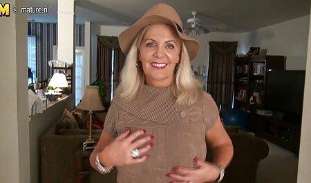 یک زن زیبا دارای ارگاسم است. بهترین کانال پورن تلگرام