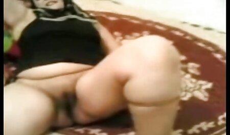 یک مرد یک عکس از یک عضویت کانال سکسی تلگرام دختر است که هیچ مشکلی در صبح