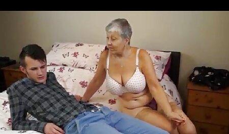 مدل باریک در خدمت کانال فیلم های سکسی به عشق در استخر